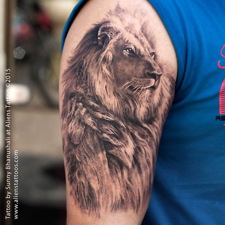 Beautiful Hyper realistic Lion Tattoo
