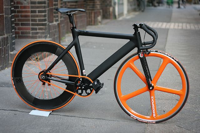 Leader matte finish fixie with nice touch of orange
