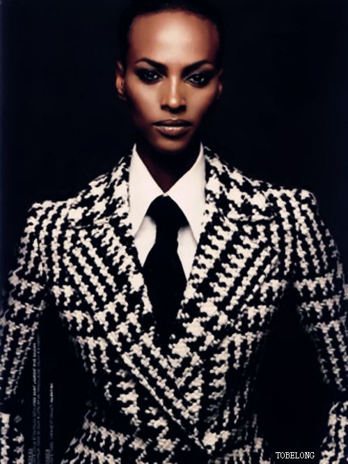 Joan Smalls --- I think I'm more in love with the overall composition than the fashion. bangin nonetheless.