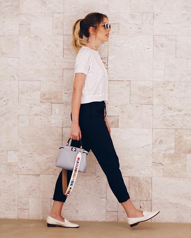 Comfy friday look!  Blusa + calça @amarofashion #looksFJ #fridaylook