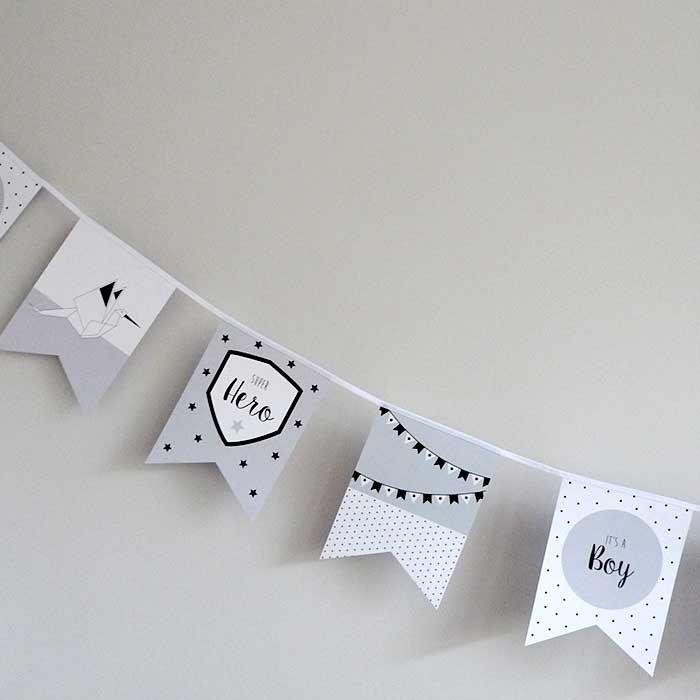 Vlaggenlijn geboorte jongetje. Een unieke geboorteslinger. Met deze papieren geboorte vlaggenlijn vier je dat er een jongetje is geboren.