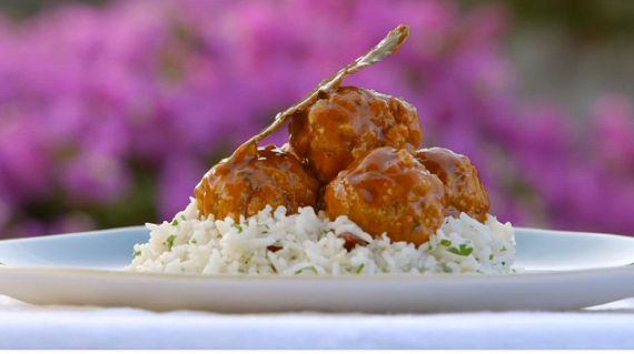 Gino  D'Acampo served up tasty veal meatballs with Parmesan cheese, white wine and fragrant rice on Gino's Italian Escape: Islands In The Sun. The ingredients are: 1kg minced veal, 150g fresh white breadcrumbs, 100g freshly grated Parmesan cheese, 50g pine nuts, chopped, 2 tablespoons chopped fresh flat-leaf parsley, 1 large egg, beaten, Juice and grated zest of 1 unwaxed lemon, 4 tablespoons olive oil, 180ml dry white wine, 2 tablespoons tomato purée, 500ml hot beef stock, 4 bay leaves and…