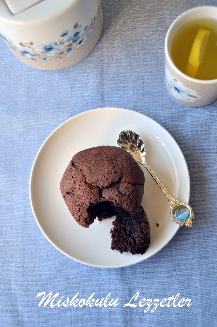 http://miskokululezzetler.blogspot.com.tr/2014/10/browni-muffin.html#.VGeyQ_Jxmcw