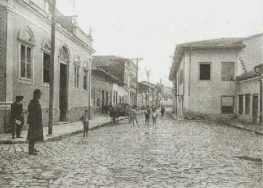 Rua da Boa Morte, atual Rua do Carmo  Ano: 1910  Autor: desconhecido