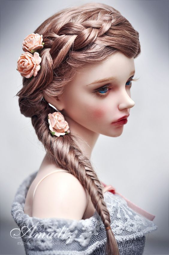Ball jointed doll                                                                                                                                                      More                                                                                                                                                      Mehr: