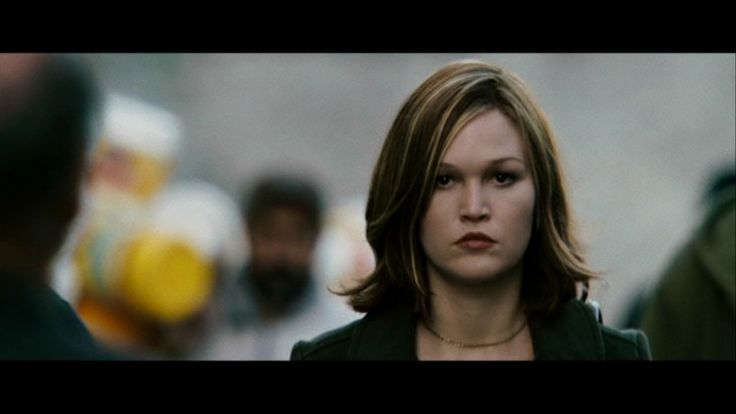 I like this photo of Julia Stiles as Nicky Parsons in The Bourne Ultimatum.