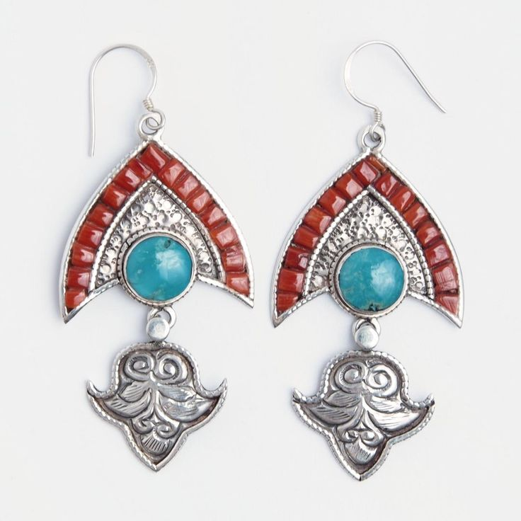 Cercei Chitwan, argint, coral și turcoaz tibetan, Nepal  #metaphora #silverjewelry #silverjewellery #nepal #earrings  #turquoise #coral