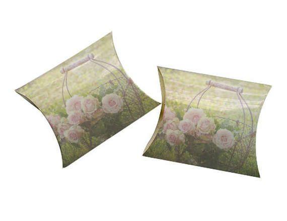3x3 Rose Basket Printable Pillow Box Treat Box #Rose #Basket #Printable #Pillow #Treat #Box JustAnArtStore http://etsy.me/2lsWNJd via @Etsy