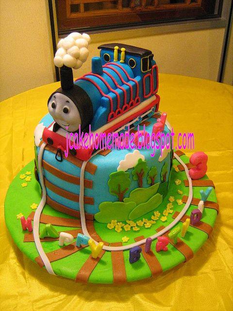 Thomas the tank engine birthday cake .. I like this too ! And he does like choo choos ..hm