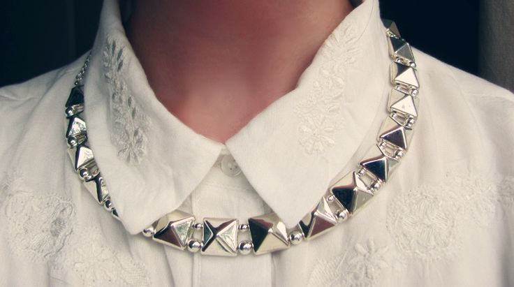 Simple and stylish necklace from We Style. The pic is from Evelinas blog: http://evelinaknipstrom.com/en/2013/07/todays-detail/