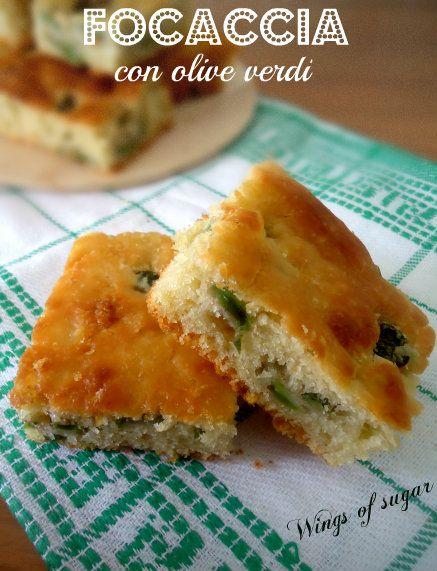 Focaccia veloce alle olive e rosmarino ricetta semplice , per una buona merenda. Ideale per picnic e buffet- wings of sugar blog