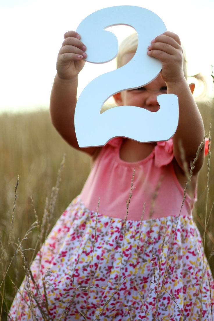 Cute Second birthday photo idea