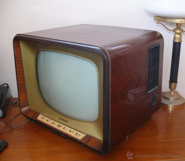 FABULOSO TELEVISOR ANTIGUO A VALVULAS TELEFUNKEN TV EN MADERA , TELEVISOR VINTAGE