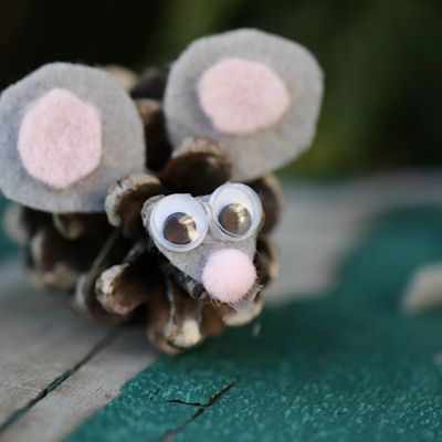 An Easy Way to Make a Pine Cone Owl Craft   Mouse crafts ...