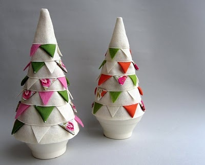 Kickcan & Conkers: Inspiration: Christmas Crafts: Ribbons Trees, Buntings Trees, Xmas Trees, Crafts Ideas, Christmas Crafts, Inspiration, Christmas Decor, Christmas Trees, Christmas Ideas