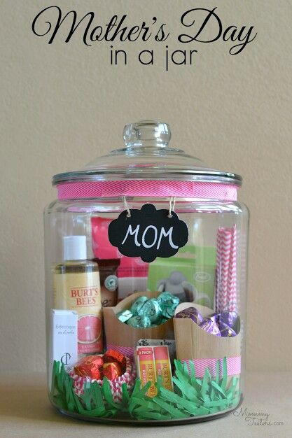 I already have 2 of these jars...and I just  bought the chalkboard labels...I am excited to see this gift come together. Beautiful. . .any mom would love to get this.