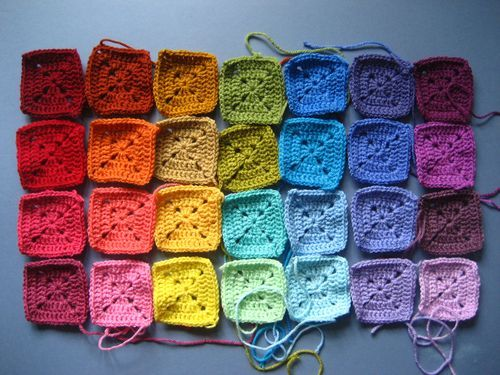 solid granny square tutorial : : Attic 24