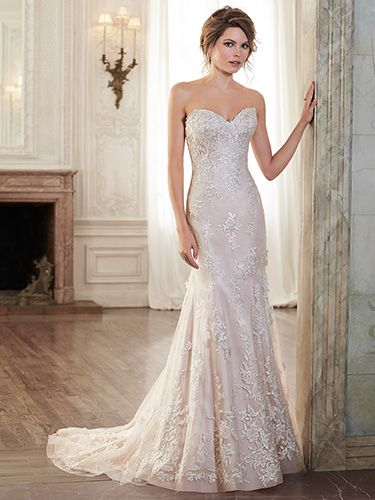 Maggie Sottero Holly, $ 769 Size: 8 | New (Un-Altered) Wedding Dresses