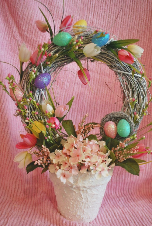 tutorial on easter wreath topiary: Wreaths Topiaries, Easter Topiaries, Easter Food Decor Crafts, Diy Easter, Easter Crafts, Easter Joy, Easter Wreaths, Easter Blessed, Easter Ideas