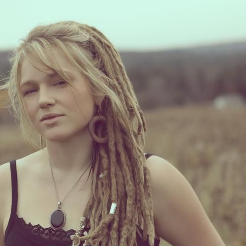 girl with blonde dreadlocks One Luv +dreadstop / @DreadStop #dreadlocks