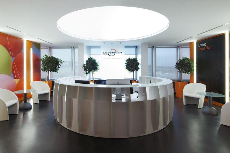 Leaseplan Offices – Roma, Italia / Kayar Loose Lay flooring https://www.pinterest.com/artigo_rf/kayar/