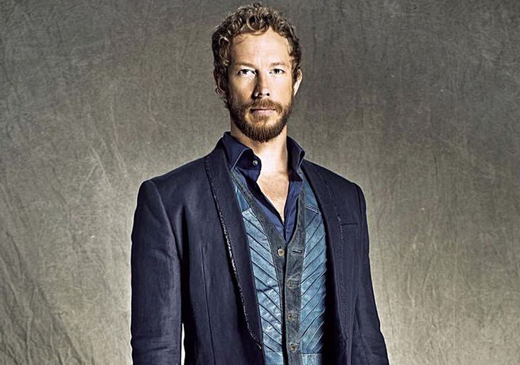 kris holden-ried | Lost Girl actor Kris Holden-Ried on the physicality of being a shape ...