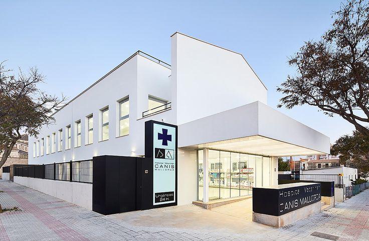 Hospital Veterinário Canis Mallorca / Estudi E. Torres Pujol
