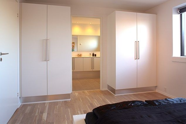Soveværelse med standard garderobe