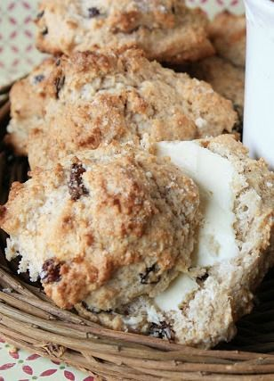 Cinnamon Raisin Biscuits - these simple, lightly sweet biscuits start with a homemade Bisquick mix!