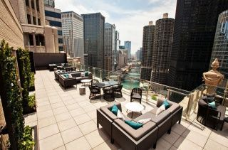 LH Rooftop - Chicago | Three Stories of Rooftop Perfection atop a Chicago Landmark