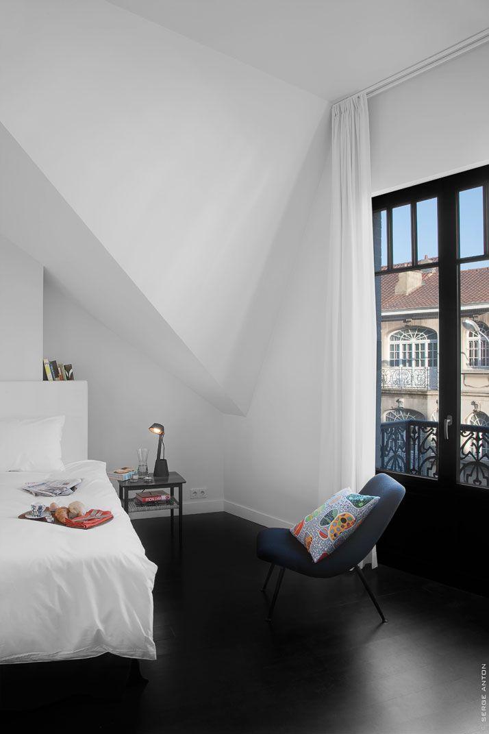Buardilla. Breakfast At Zara's: Interior Design, Tenbosch House, Black Floors, Interiors, Bedrooms, Space, White Bedroom, White Wall