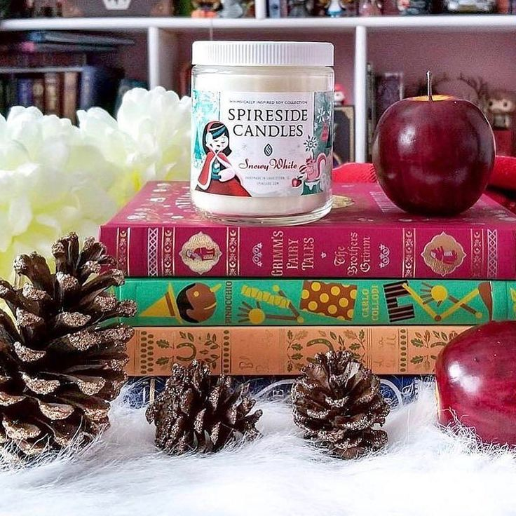 Snow White wants you to know: You can still snag a GIFT CARD for those last minute gifts! Delivered digitally and for use with any of our whimsical candles tarts and tea lights! . Snowy White is our newest classic Winter scent and boasts the fragrance of sweet snow berry laden fir trees and an invigorating burst of peppermint! . : @oasisgirlmd