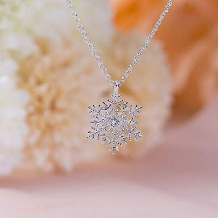 Christmas Crystal Snowflake Silver Charm Chain Necklace Pendant Jewelry New Gift