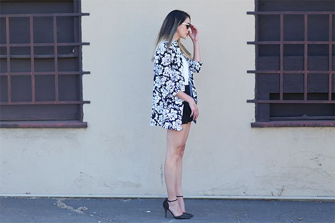 Statement blazer   #fashionblogger #fashionblog #heels #dorsay