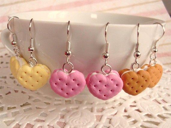 Oorbellen met dubbele koekjes met creme in de vorm van een hart (FIMO Caramel gebruiken voor de bruine)