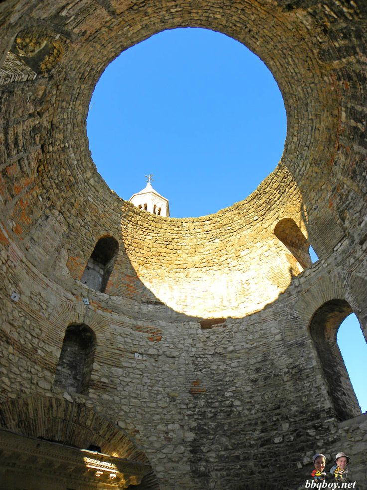 Highlights of a visit to Diocletian's Palace in Split, Croatia: http://bbqboy.net/highlights-visit-diocletians-palace-split-croatia/  #split #croatia