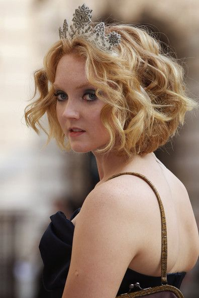 Lily Cole Short Wavy Cut