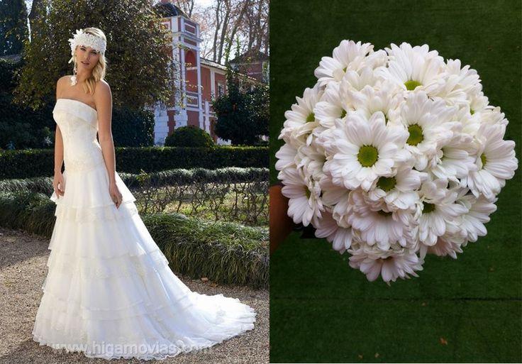 Bouquet de margaritas blancas para un vestido de Higar Novias 2013 #bodas #ramosdenovia