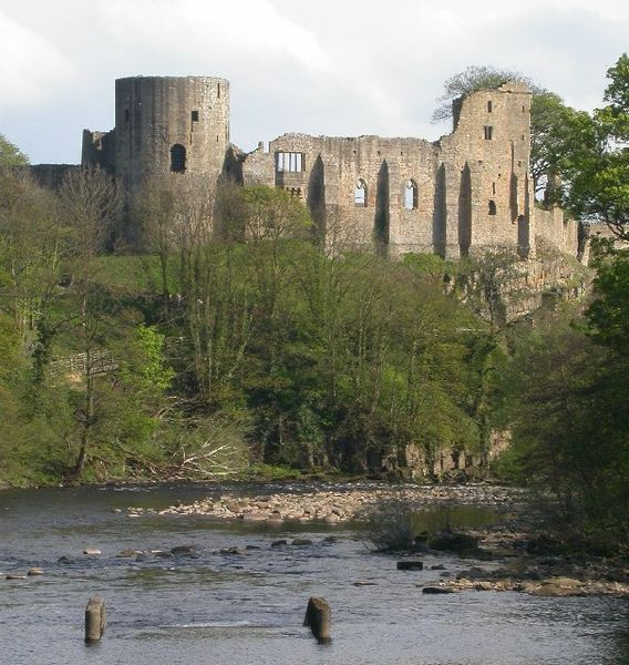 Barnard Castle is a ruined medieval castle situated in the town of the same name in County Durham, built between 1095 and 1125. File:Barnard Castle.jpg