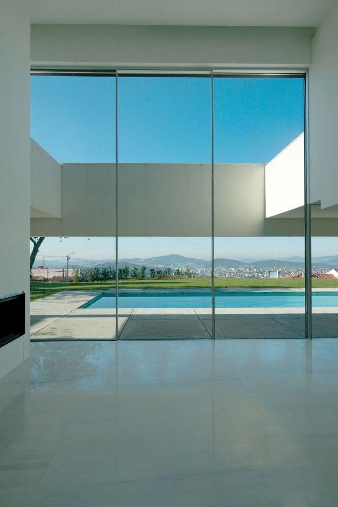 House in Bom Jesus, by Atelier de Arquitectura.