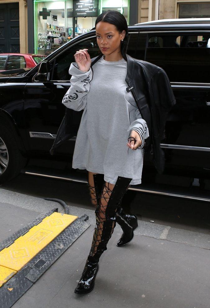 Rihanna heading to a photoshoot in Paris (Oct. 2)