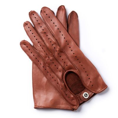 U.M.54    GENTLEMAN DRIVER COLLECTION      Italian racing driver Umberto Maglioli won the Carrera Panamericana in 1954, a race regarded as the most dangerous motoring event of its day. The gloves created in honour of this famous driver are made from soft but highly durable lambskin with perforations covering the entire backhand side. We have paid particular attention to the decorative elements and pronounced hand-stitched seams.    lambskin