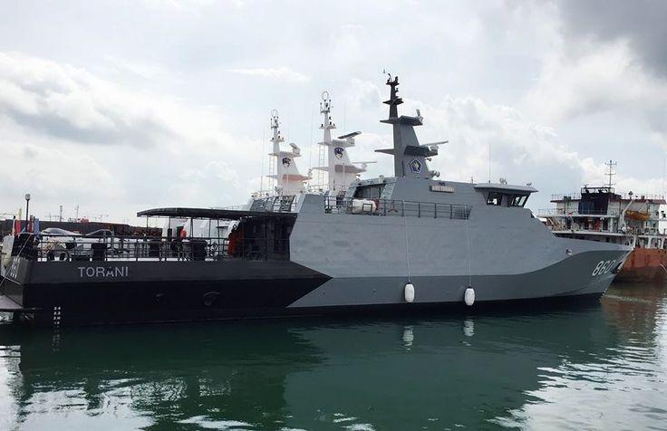 Launching kapal KRI Torani-860 dan KRI Lepu-861 di Galangan Karimun Anugrah Sejati. (defence.pk/pr1v4t33r)