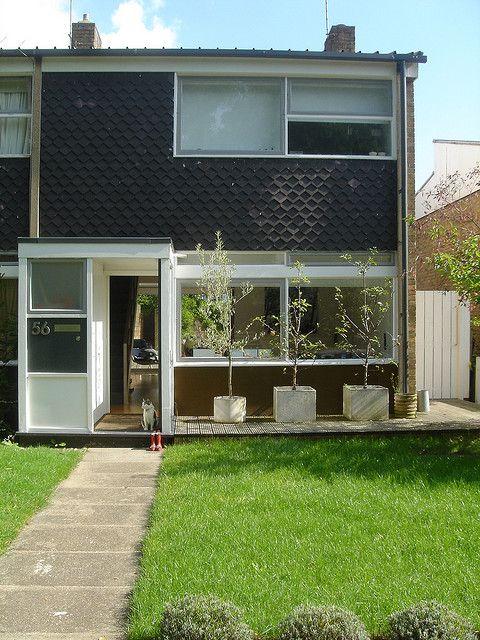 T2 Span house / blackheath | Flickr - Photo Sharing! http://cimmermann.co.uk/blog/modernist-homes-uk-best/