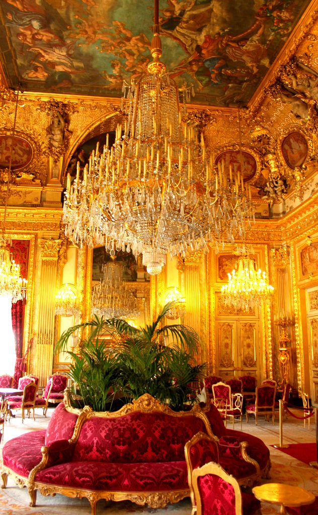 Richelieu wing of the Louvre, you find the former apartments of Napoleon III and his exquisite, glamorous wife, Empress Eugenie, which have been restored to the same sumptous splendour that they had before the end of the Empire...