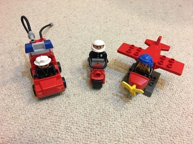 Mein Lego Duplo Feuerwehr Fahrzeuge + Figuren von Lego! Größe Ab 24 / Monaten für 15,00 €. Schau´s dir an: http://www.mamikreisel.de/spielzeug/zum-bauen-playmobil-lego-and-co-dot/34653574-lego-duplo-feuerwehr-fahrzeuge-figuren.