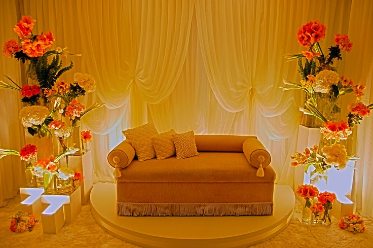 just a simple pelamin for a small living room..