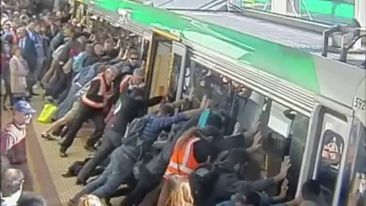 Australian Train Passengers Rally To Push Entire Train Carriage Off Trap...