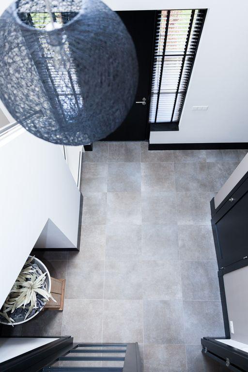 keramische vloertegel beton look 60x60 #keramisch #parket #vloertegels #hal #luxe #woning
