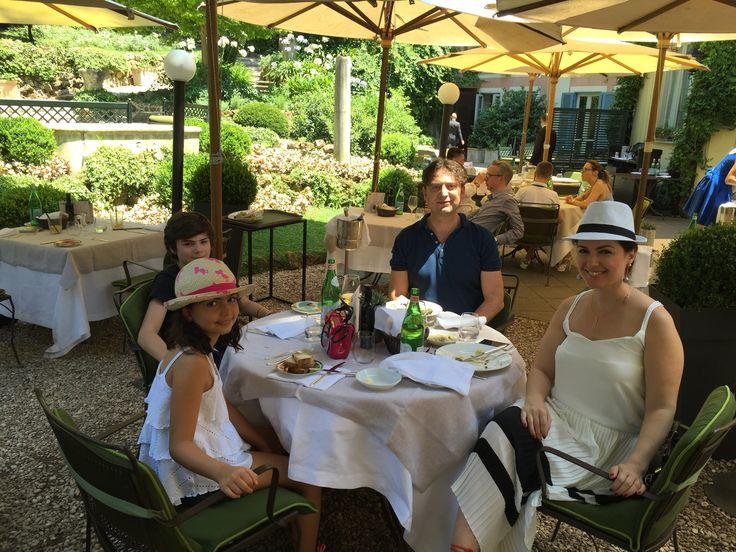 Ristorante Le Jardin de Russie, Roma - Italy. Haftasonu Brunch'ları inanılmaz diyebilirim. Öğle yemeği ve mini Party'ler içinde ideal. İspanyol Merdivenlerine çok yakın mesafede.